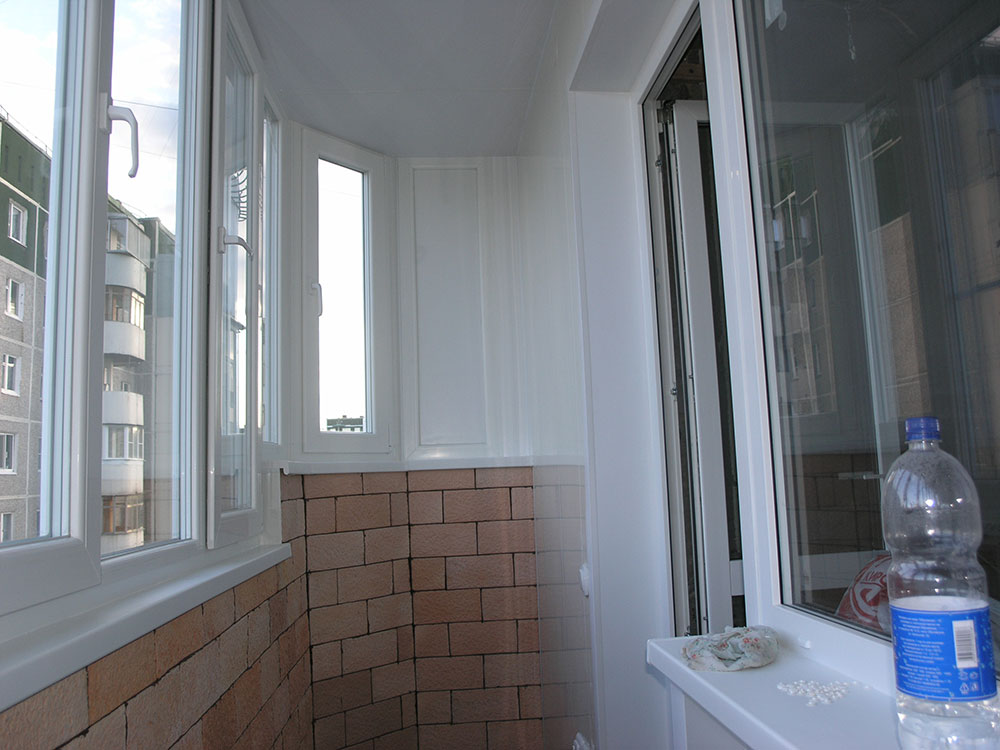 Балконы и лоджии пластиковые - фотографии работ.
